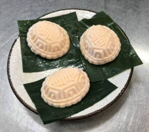 Steamed Red Tortoise Cakes