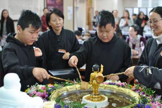 浴佛法會 Buddha Bathing